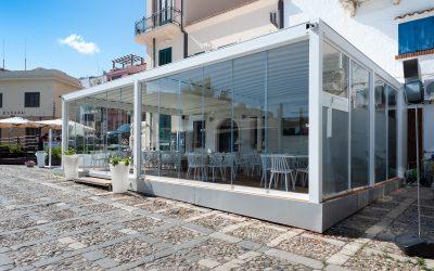 Chiusure per verande , porticati , terrazzi, balconi, bar ,ristoranti
